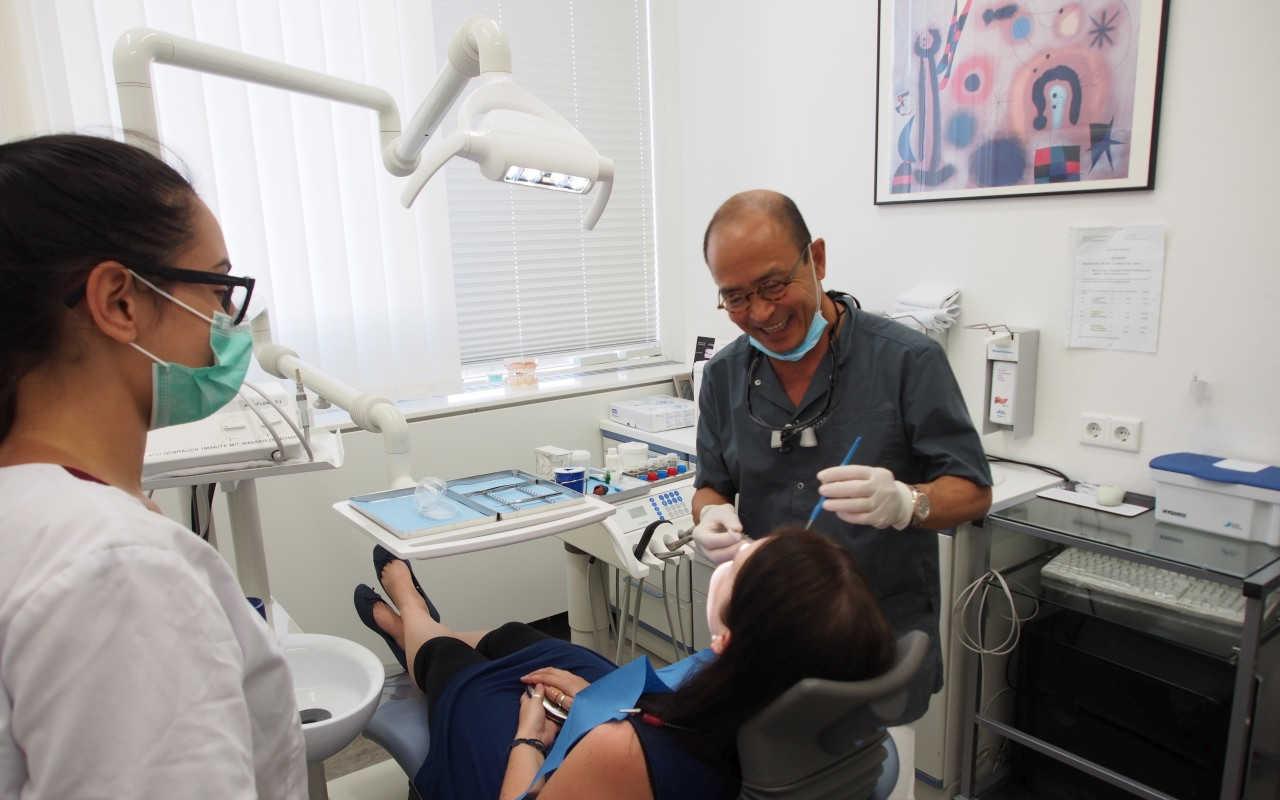 Zahnarztpraxis Leuchtweis: Schonende Behandlung