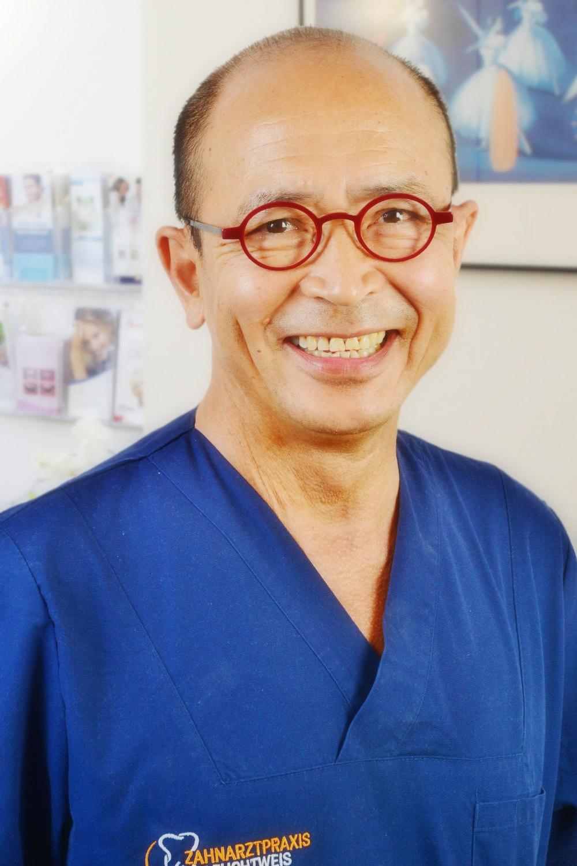Portrait Zahnarzt Thanh Leuchtweis